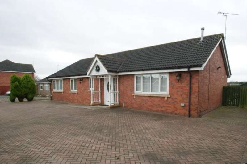 3 Bedrooms Detached Bungalow for sale in Downland Close, Balby, Doncaster, DN4