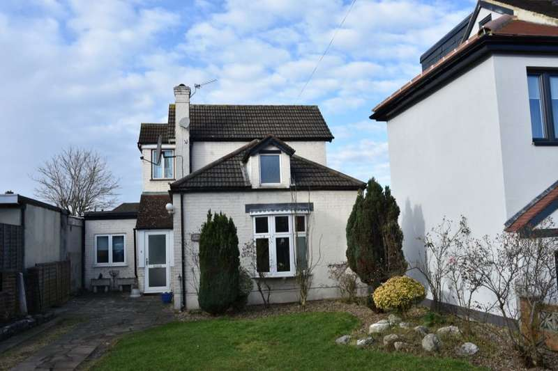 3 Bedrooms Detached Bungalow for rent in Angel Hill, Sutton, SM1