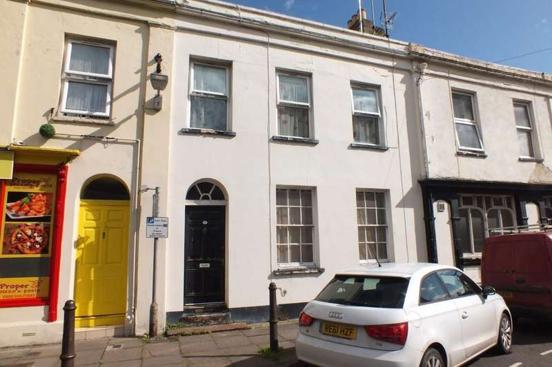 1 Bedroom Flat for sale in Close to Pittville Park