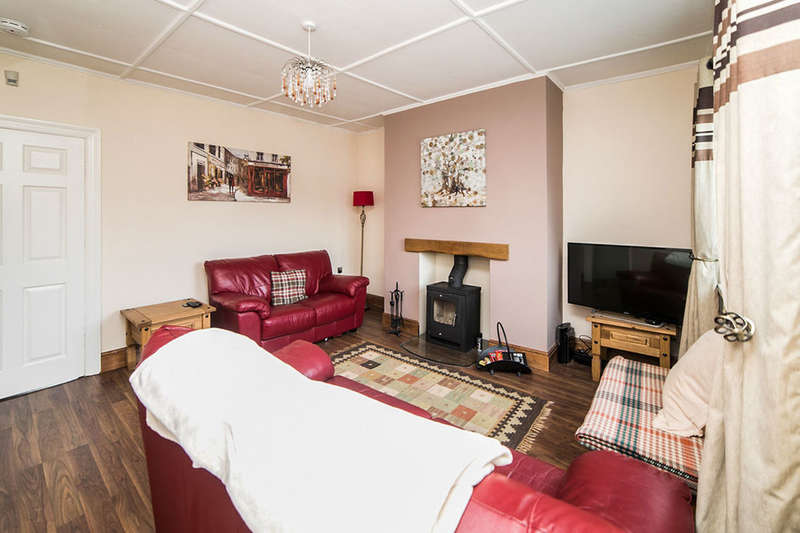 2 Bedrooms Semi Detached Bungalow for rent in Bute Road South, High Spen, Rowlands Gill, NE39