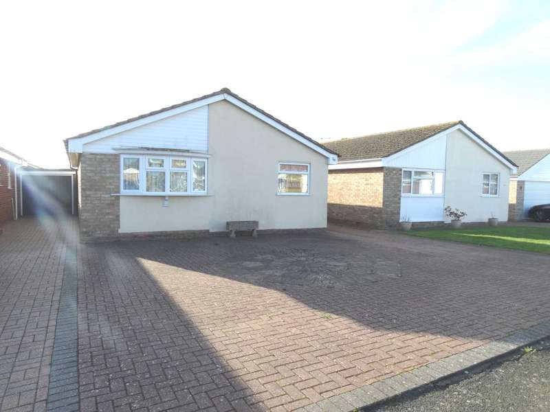2 Bedrooms Detached Bungalow for sale in Middleton Drive, Eastbourne