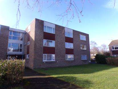 Flat for sale in Sutherland Close, Romsey, Hampshire