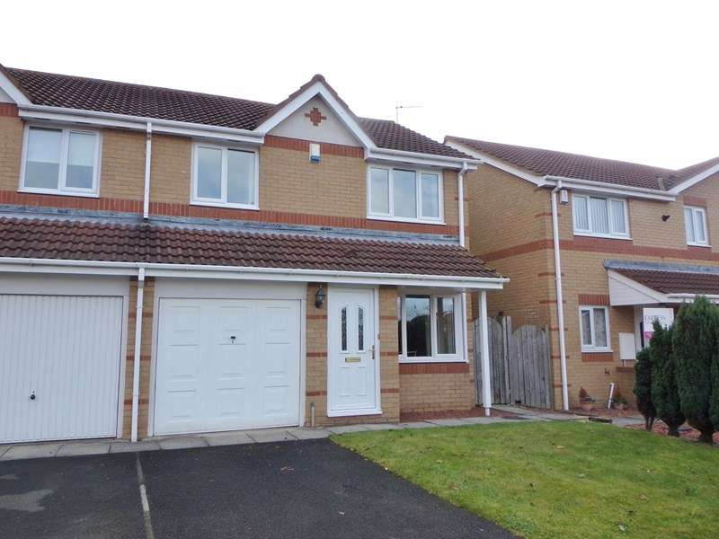 3 Bedrooms Property for sale in Overdale Court, Choppington, Choppington, Northumberland, NE62 5YU