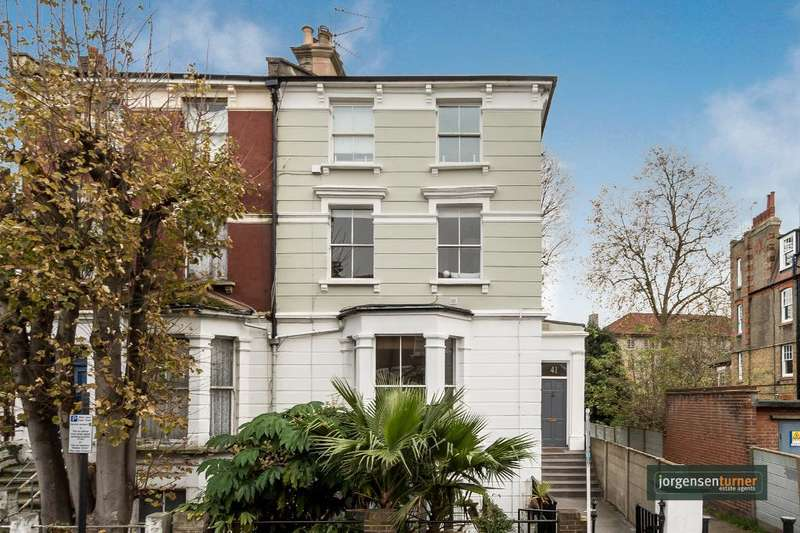 2 Bedrooms Flat for sale in Stanlake Road, Shepherds Bush, London, W12 7HG