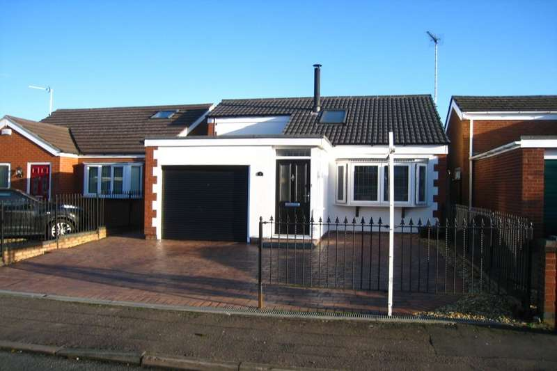 4 Bedrooms Detached Bungalow for sale in Abergavenny Walk, Binley, Coventry, CV3