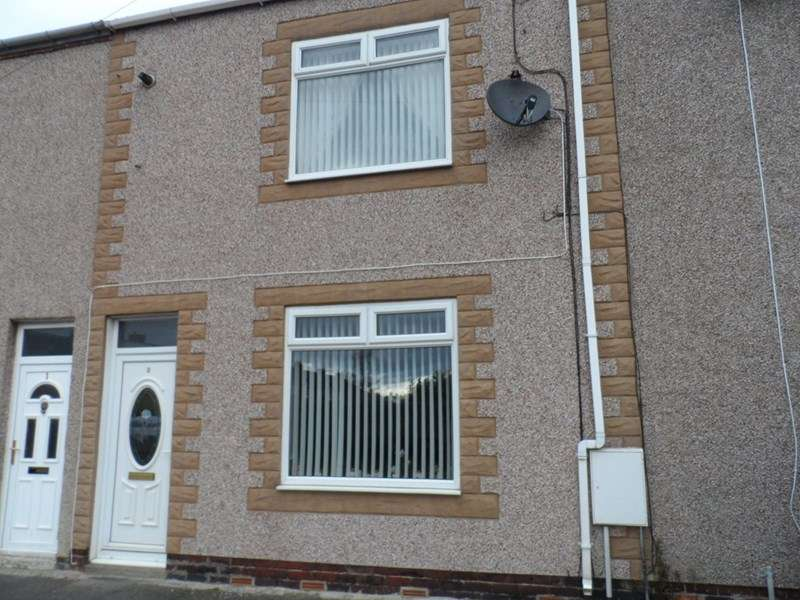 3 Bedrooms Property for sale in Bolsover Terrace, Ashington, Northumberland, NE63 0HB