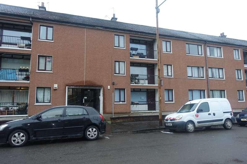 3 Bedrooms Flat for rent in Darnley Gardens, Pollokshields