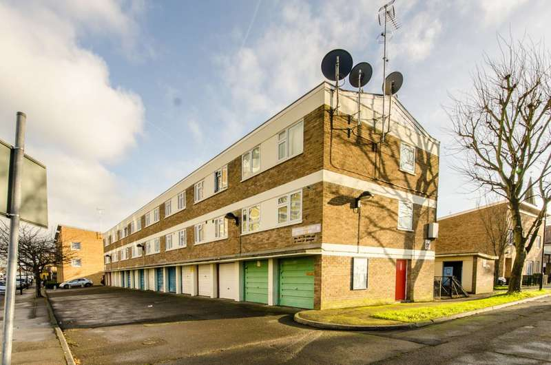 3 Bedrooms Maisonette Flat for sale in Commerce Road, Wood Green, N22