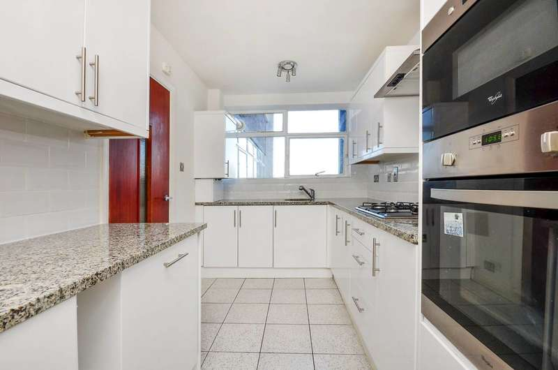 2 Bedrooms Flat for rent in The Grange, Ealing, W13