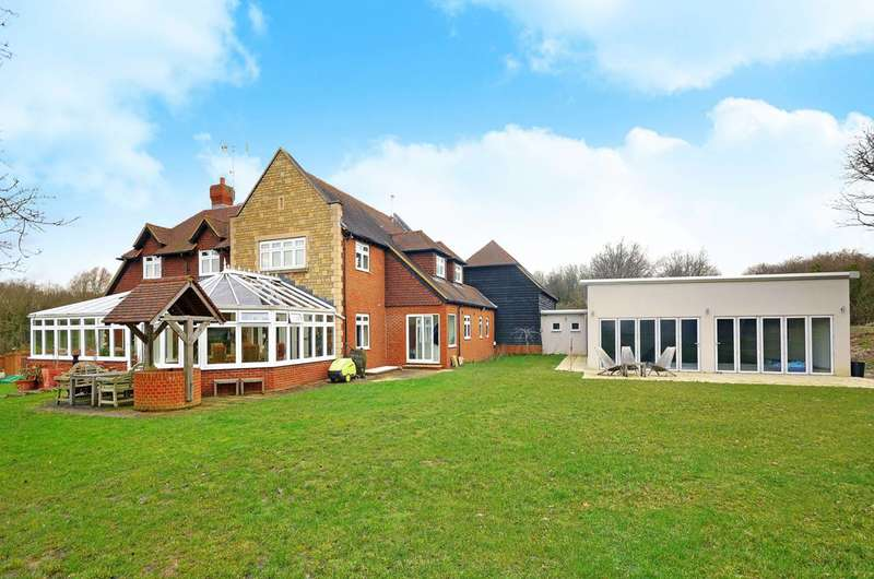 5 Bedrooms Detached House for sale in Backside Common, Guildford, GU3