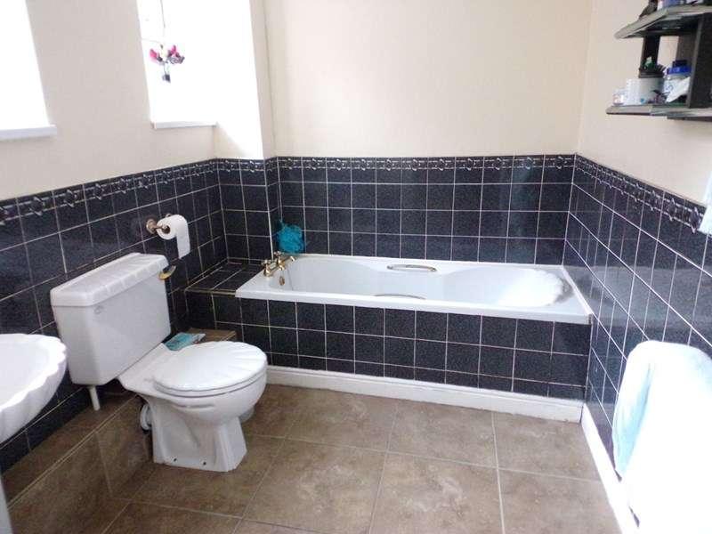 2 Bedrooms Property for sale in Brabourne Street, west harton, South Shields, Tyne & Wear, NE34 0JZ