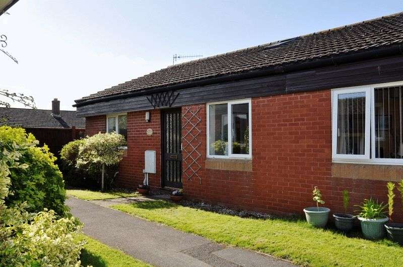 2 Bedrooms Property for sale in Summerlands, Backwell
