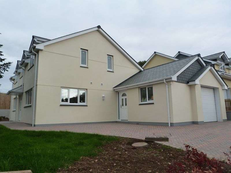 3 Bedrooms Property for sale in 66 Tavistock Road, Callington