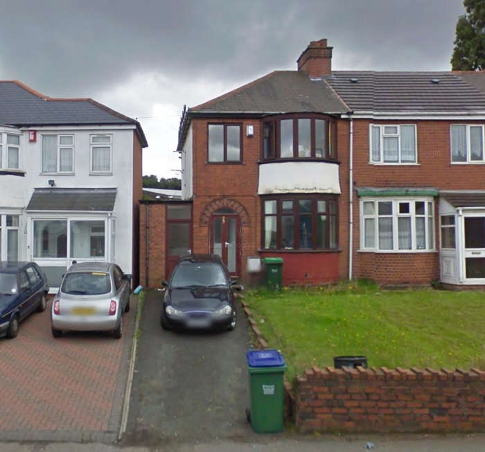 3 Bedrooms Semi Detached House for rent in Dudley Road West, Tividale, Tividale, B69