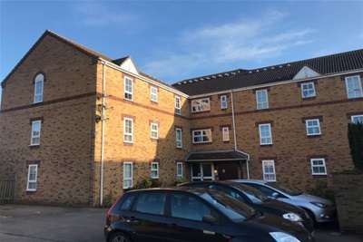 2 Bedrooms Flat for rent in Macmillian Court, Kings Lynn