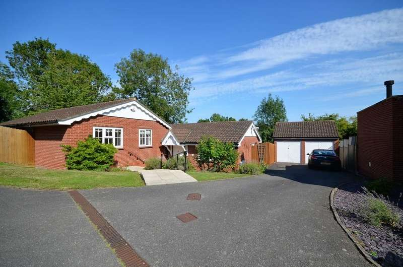4 Bedrooms Detached Bungalow for sale in The Retreat, West Bergholt, Colchester, CO6 3HN