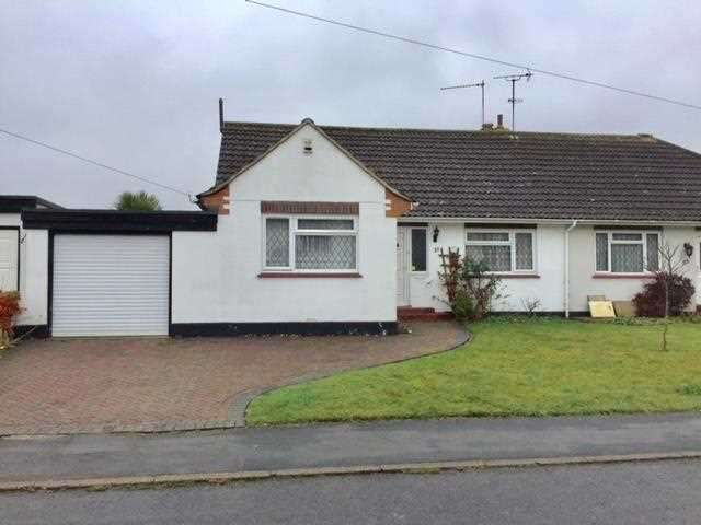 3 Bedrooms Bungalow for sale in Cabrera Avenue, Virginia Water