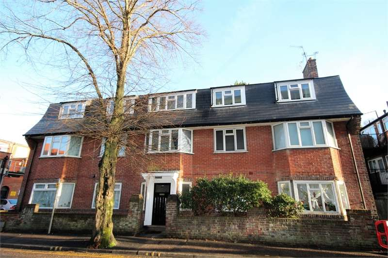 2 Bedrooms Flat for sale in Heathcote Rd, Boscombe, Dorset