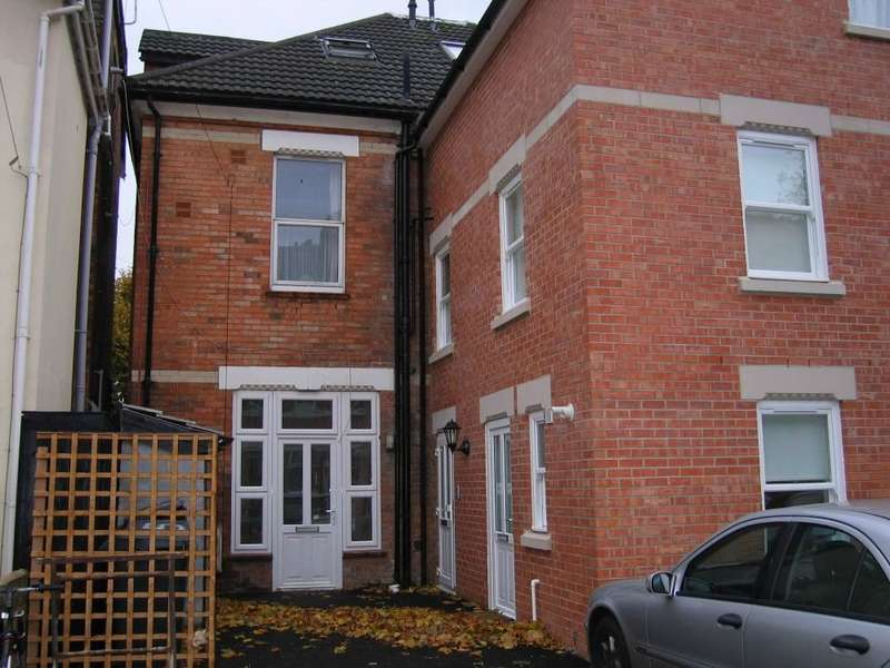 2 Bedrooms Ground Maisonette Flat for sale in Cecil Road, Boscombe, Bournemouth