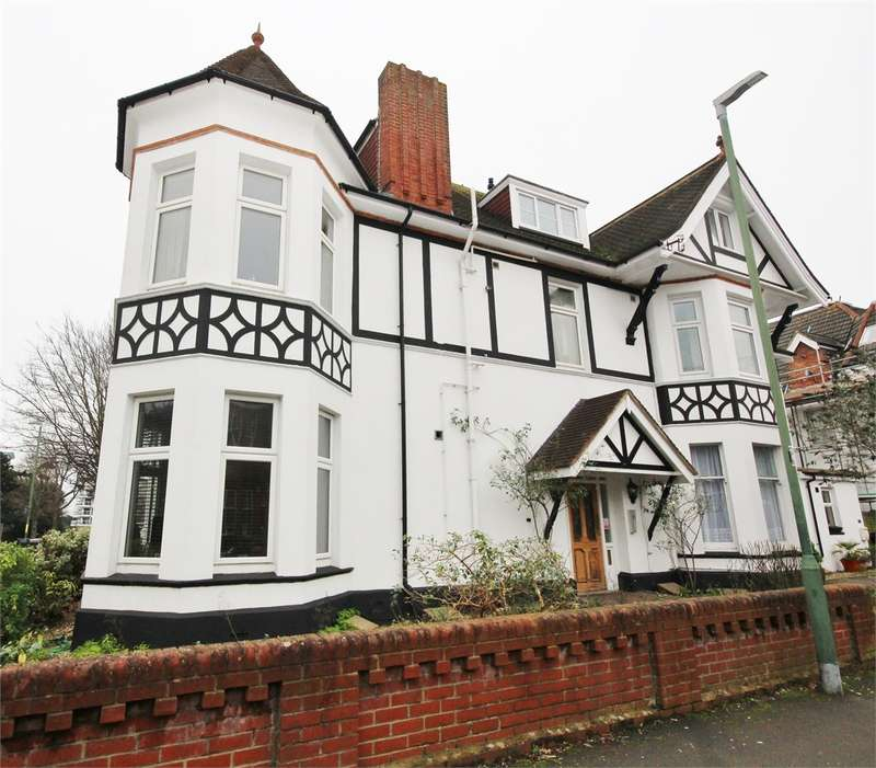 3 Bedrooms Flat for sale in 21 St Johns Road, Bournemouth, Dorset