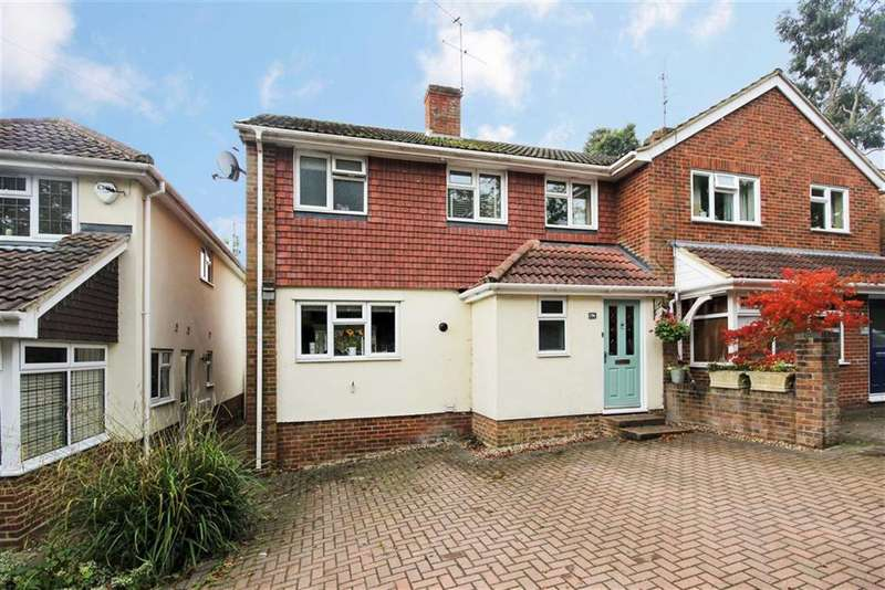3 Bedrooms Semi Detached House for sale in Upper Hale Road, Farnham
