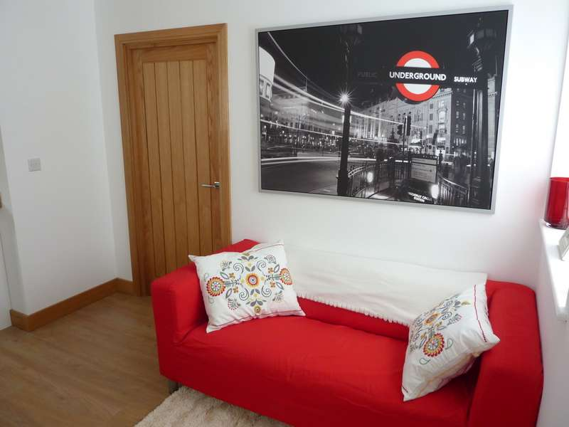 2 Bedrooms Apartment Flat for sale in Balfour House, Winnall Close SO23