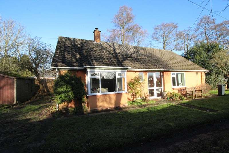 3 Bedrooms Detached Bungalow for sale in Tanworth Lane, Shirley, Solihull