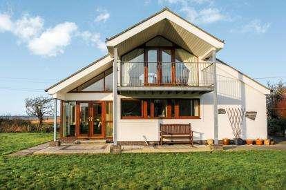 3 Bedrooms Detached House for sale in Saron, Caernarfon, Gwynedd, LL54