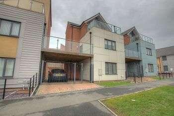 3 Bedrooms Town House for rent in Bellshiel Grove, Newcastle Upon Tyne, NE15 6BG