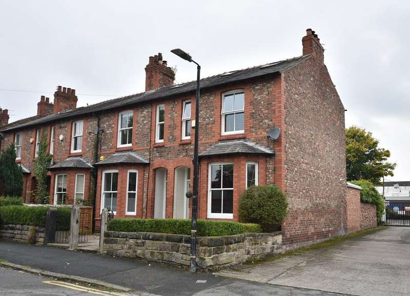 4 Bedrooms Terraced House for sale in Golf Road, Hale