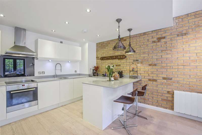 3 Bedrooms Flat for sale in Colefax Building, 23 Plumbers Row, London, E1