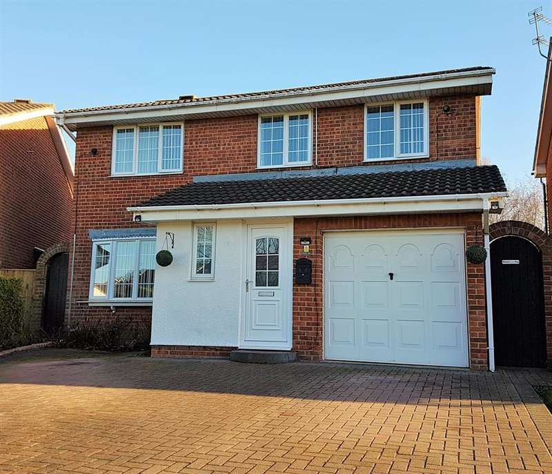 4 Bedrooms Detached House for sale in Stonechat Close, Lowfields, TS17 0TH