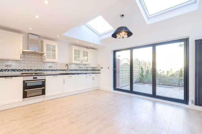 3 Bedrooms Maisonette Flat for sale in Auckland Hill, West Norwood, SE27