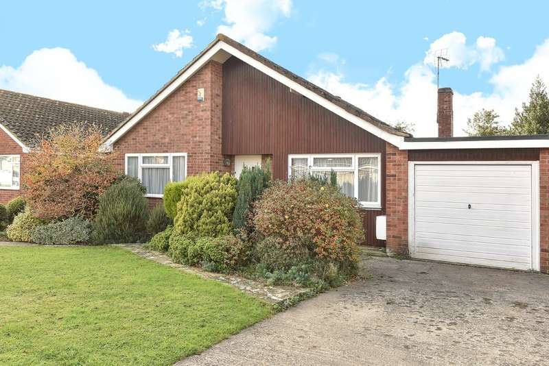 3 Bedrooms Detached Bungalow for sale in Leckhampton