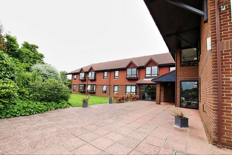 1 Bedroom Retirement Property for sale in Mill Lodge, Mill Road, Hailsham BN27