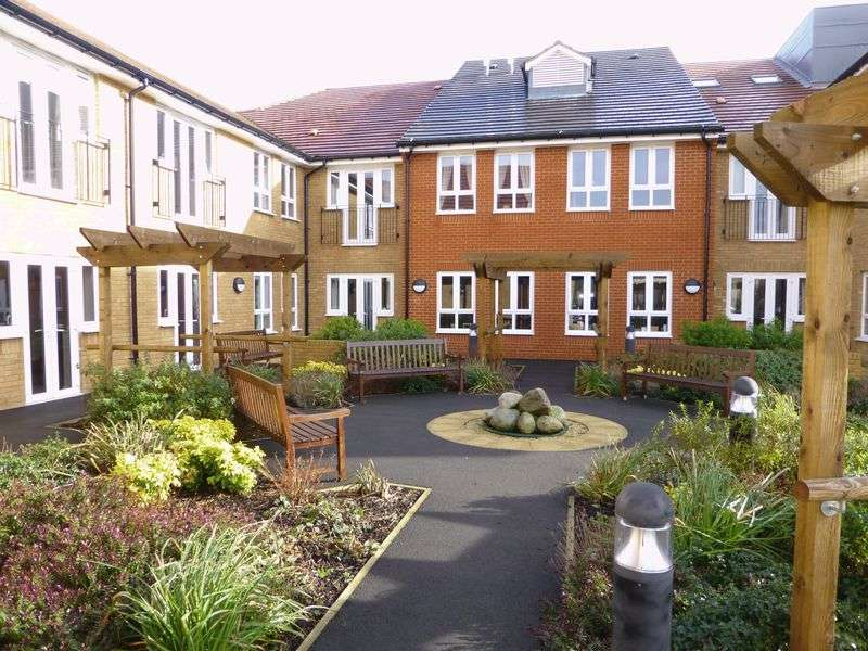 2 Bedrooms Property for sale in Coach House Mews, Bicester