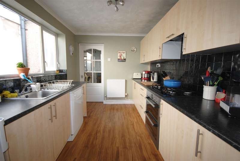 2 Bedrooms Terraced House for sale in Rectory Road, Ashton-In-Makerfield, Wigan