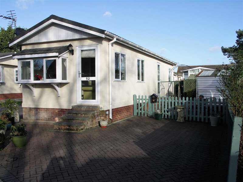 2 Bedrooms Park Home Mobile Home for sale in Potter Heigham, NR29