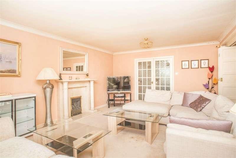 4 Bedrooms Detached House for rent in Wigton Lane, Leeds, West Yorkshire, LS17