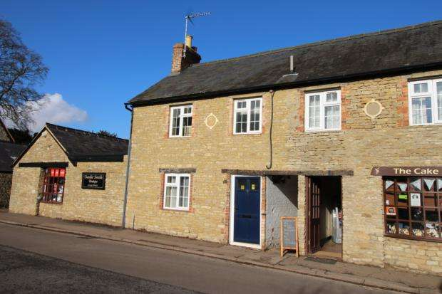 2 Bedrooms Cottage House for rent in High Street, Sharnbrook, MK44 1PB