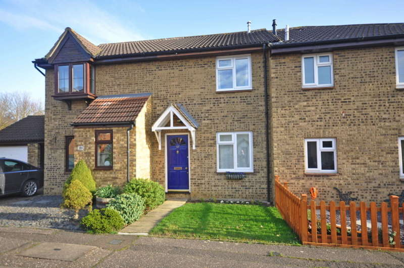 2 Bedrooms Terraced House for sale in Burton Place, Chelmer Village, Chelmsford, CM2