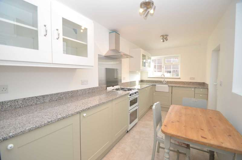2 Bedrooms Cottage House for rent in Sunnyside Road, Chesham HP5