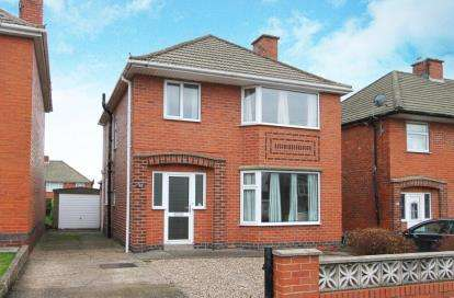 3 Bedrooms Detached House for sale in Highfield Road, Chesterfield, Derbyshire