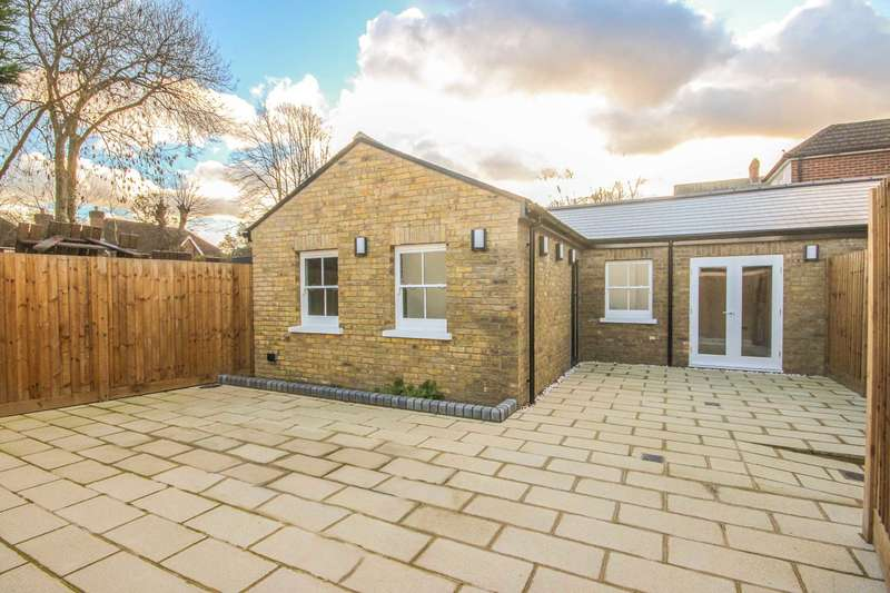 1 Bedroom Bungalow for rent in Flat 3, 12 High Street Thames Ditton