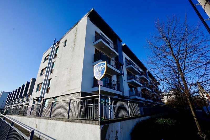 2 Bedrooms Flat for sale in 50 Chapel Road, Southampton, Hampshire, SO14 5GL