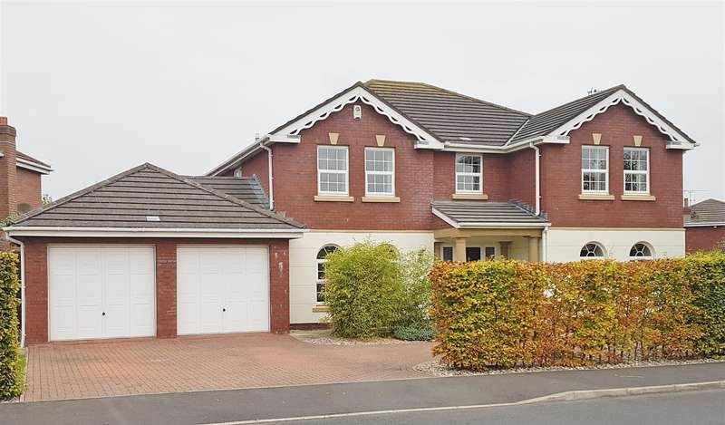 5 Bedrooms Detached House for sale in Grand Manor Drive, Lytham