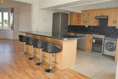 3 Bedrooms House for rent in Glan Yr Afon Gardens , Sketty