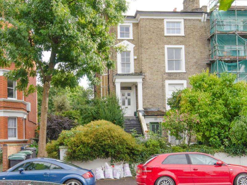 3 Bedrooms Ground Flat for sale in Haringey Park, Crouch End N8