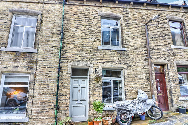 4 Bedrooms Terraced House for sale in Eton Terrace, HEBDEN BRIDGE, HX7