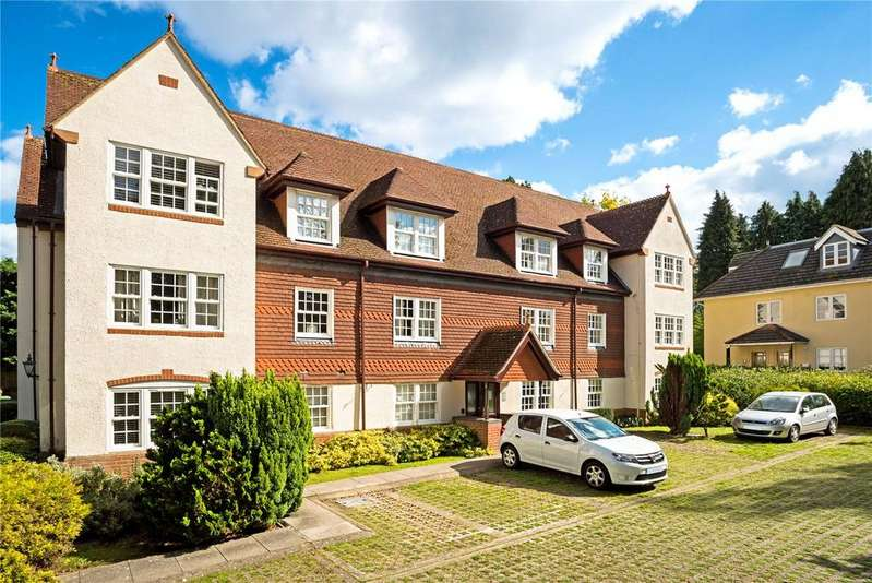 2 Bedrooms Flat for sale in Cranley Manor, Cranley Road, Guildford, Surrey, GU1